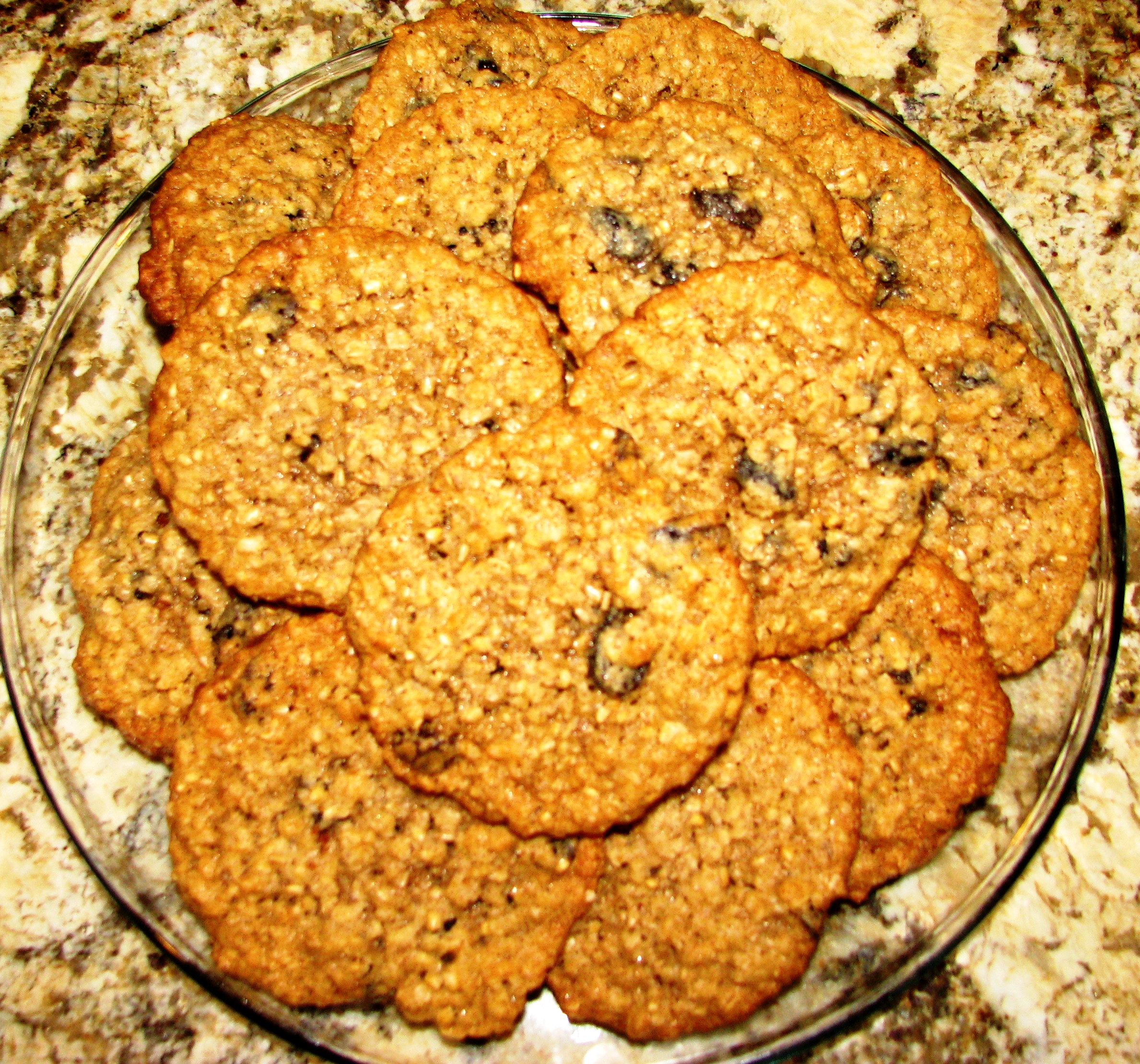 Finished oatmeal raisen cookies