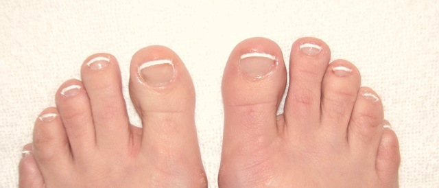 PaulaReyne.com Finished-toes 640x274