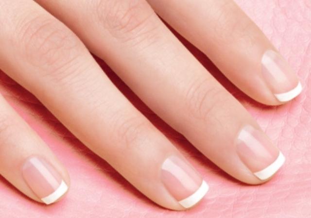 PaulaReyne.com French manicure pic 640x449